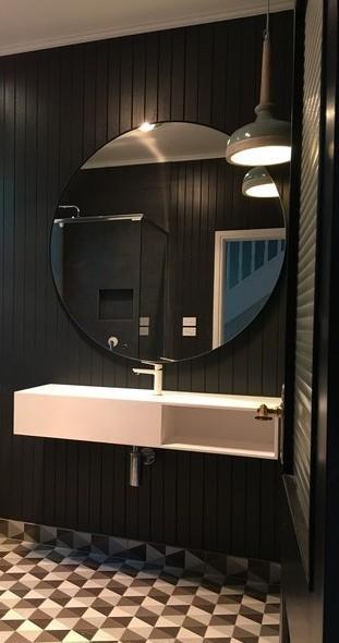 round-mirror-in-bathroom.jpg